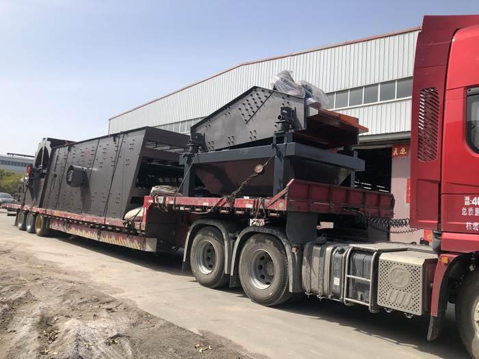 温县西甲篮球直播两台制砂洗砂设备发往新疆装车发货中
